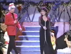 sandy_lisa_xmas_stage_05